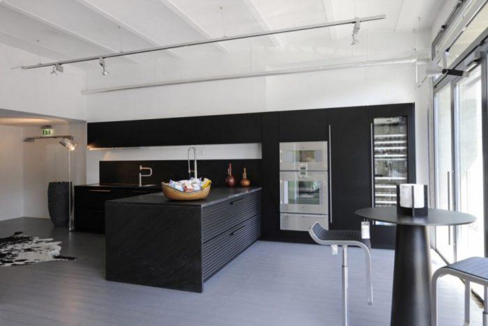 New Kitchen Showroom by Shiffini