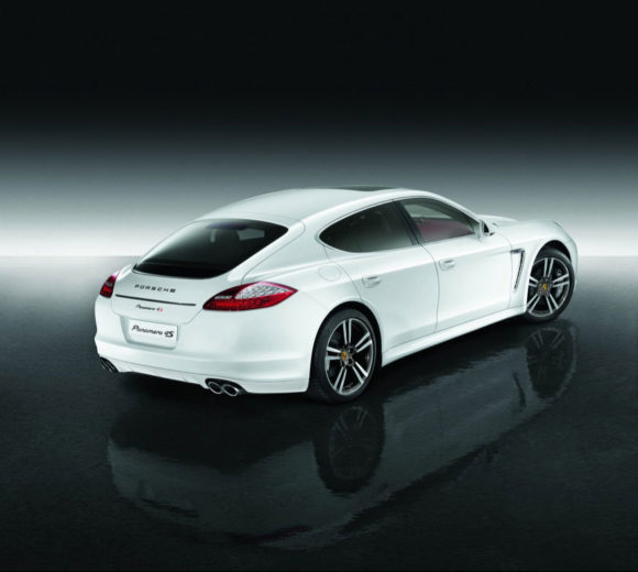 Porsche Panamera 4S for the Middle East 1
