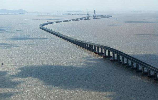 The Qingdao Haiwan Bridge 1