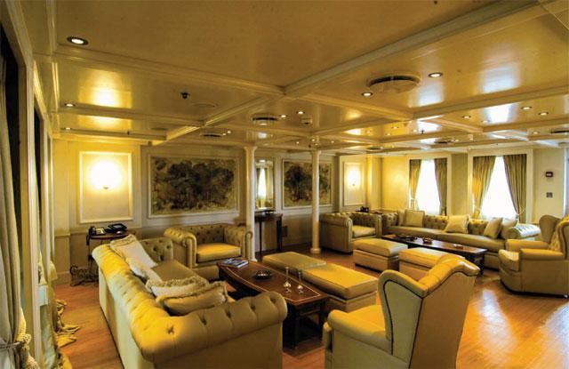 Edmiston Sells the RM Elegant Superyacht 3
