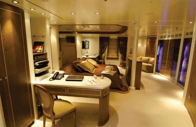 Edmiston Sells the RM Elegant Superyacht 7