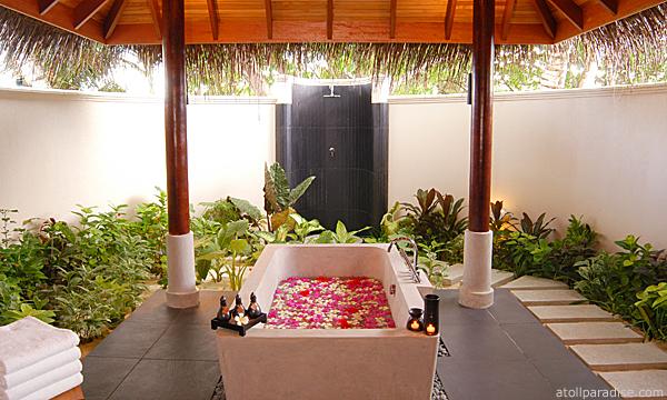 The Luxurious Anantara Resort Maldives 5