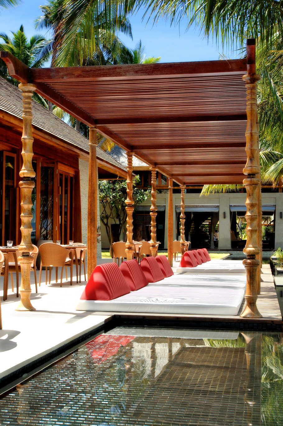 W Retreat – A Luxury Experience in the Maldives 4