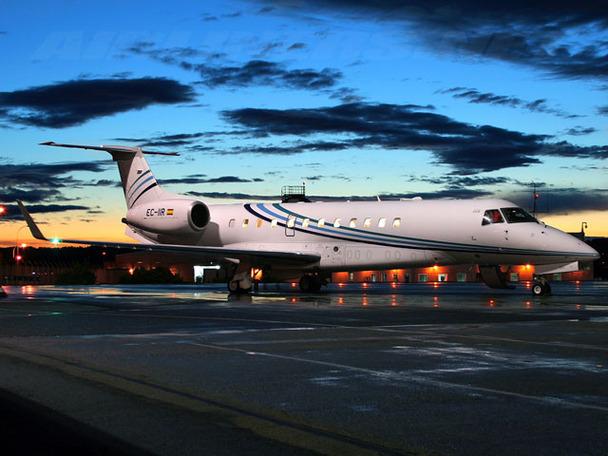 Embraer Legacy jet (7)