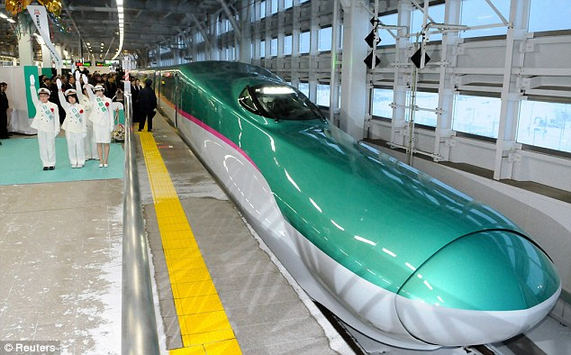 New Ultrafast Train with Luxury Business Class Car (1)