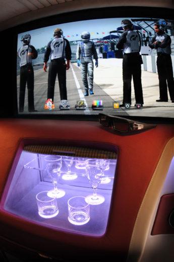 Brabus Mercedes Viano iBusiness 3D Van (11)