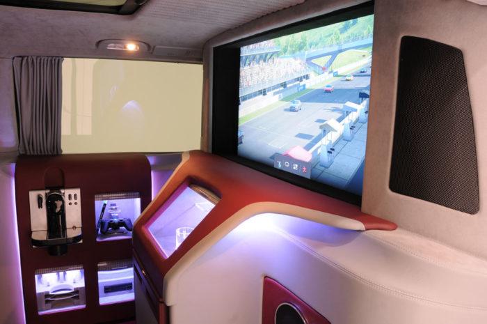 Brabus Mercedes Viano iBusiness 3D Van (10)