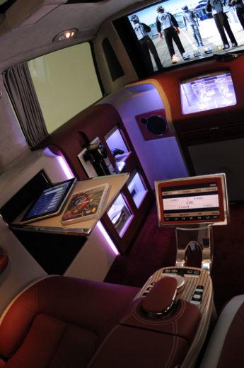 Brabus Mercedes Viano iBusiness 3D Van (9)