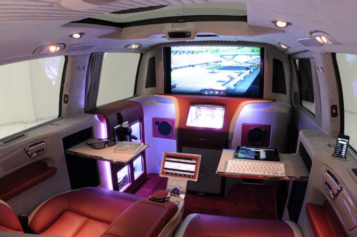 Brabus Mercedes Viano iBusiness 3D Van (15)