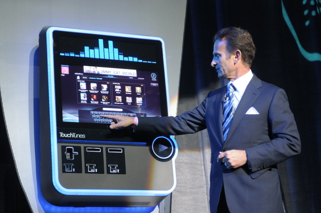 Virtuo, the Modern-Day Jukebox from Frog Design (5)