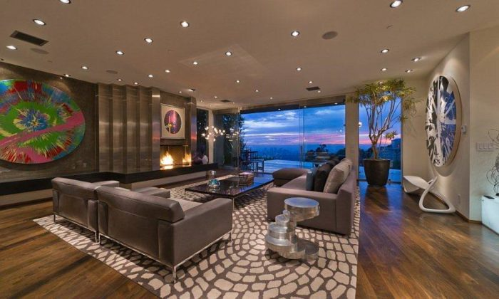 Gorgeous Bachelors Luxury Residence (6)