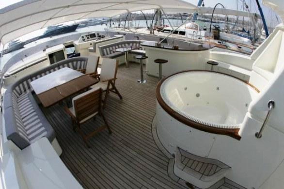 Mabruk III Luxury Yacht (10)