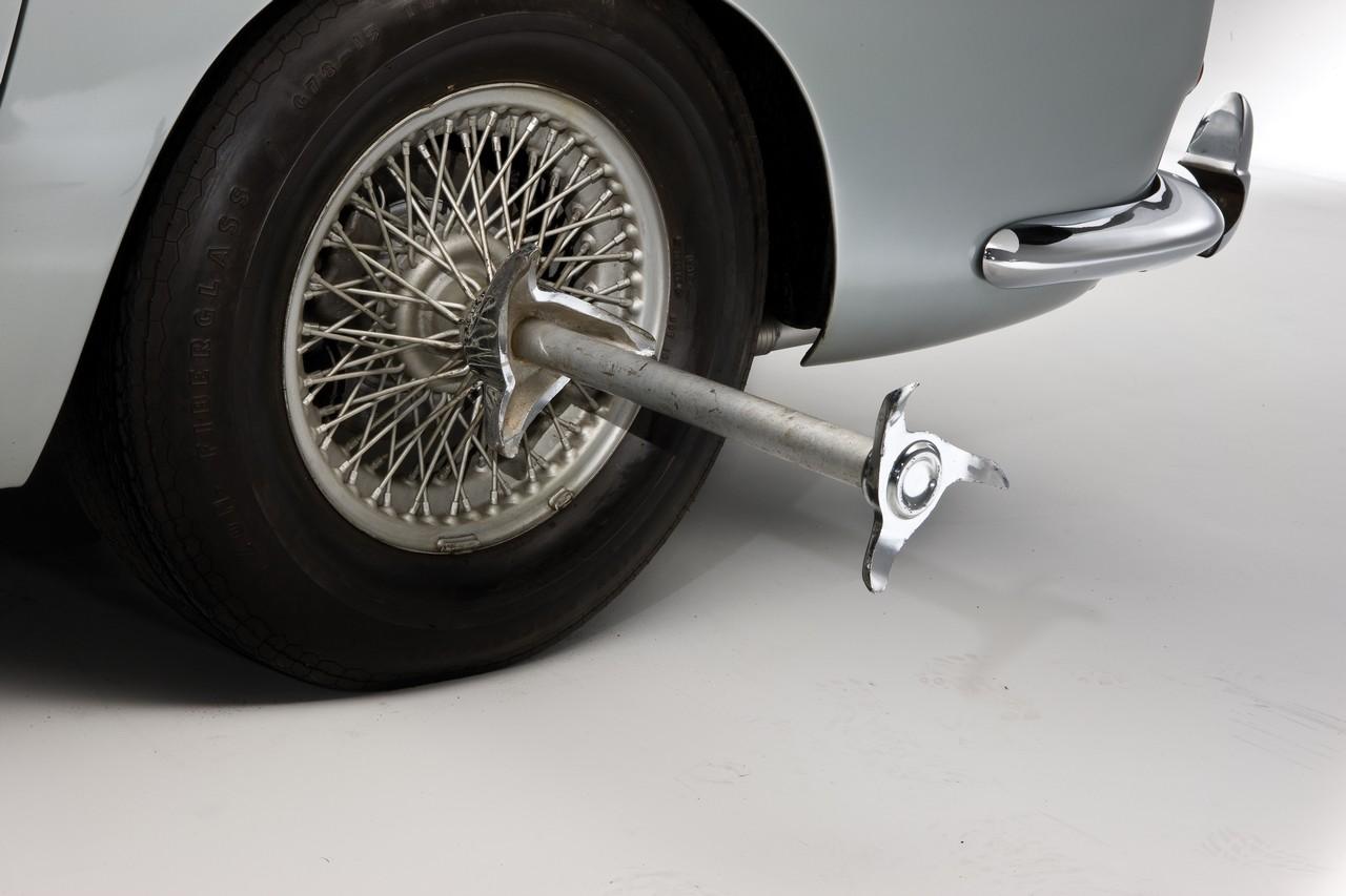 Aston Martin DB5 (12)
