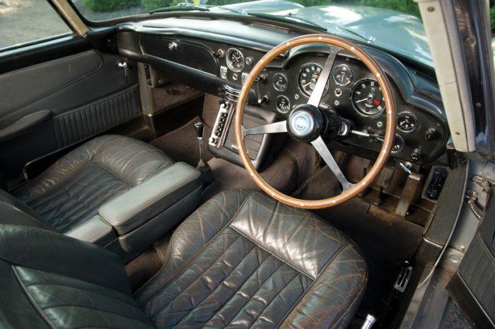 Aston Martin DB5 (8)