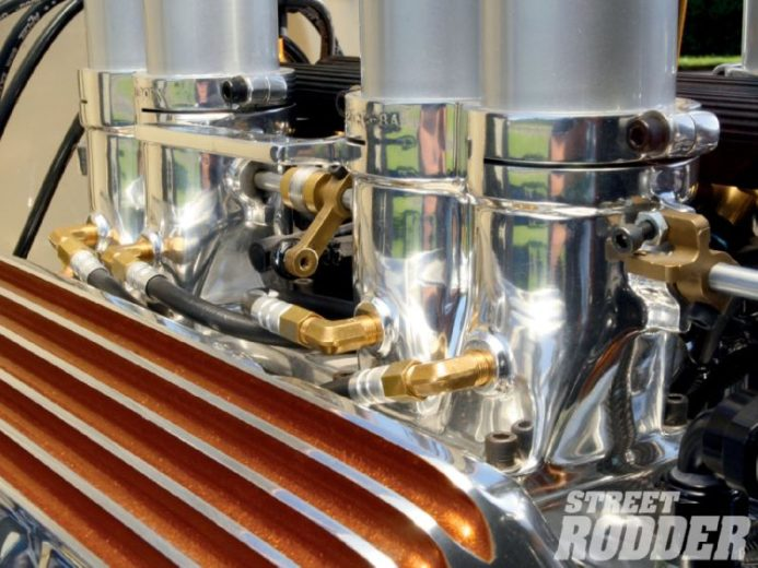 1932 Ford Highboy Roadster (89)