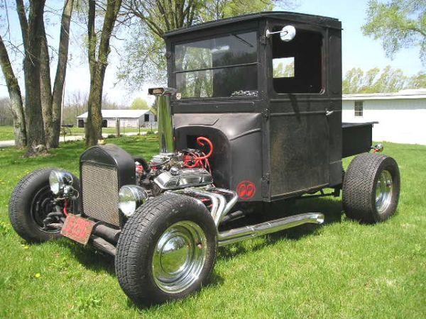 1932 Ford Highboy Roadster (100)