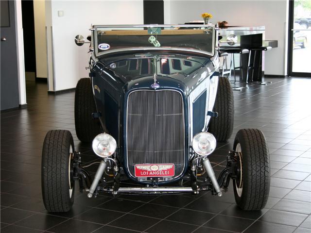 1932 Ford Highboy Roadster (79)