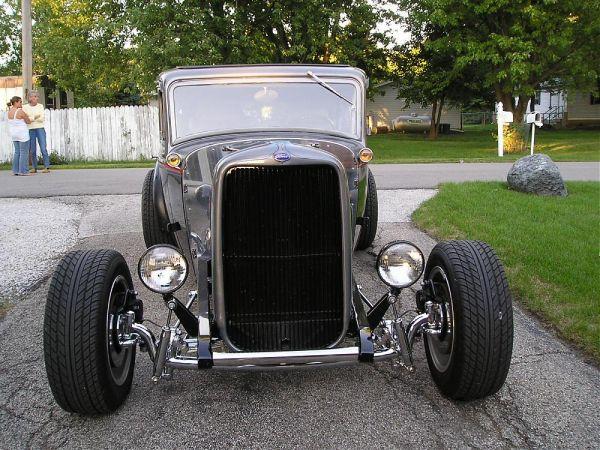 1932 Ford Highboy Roadster (98)