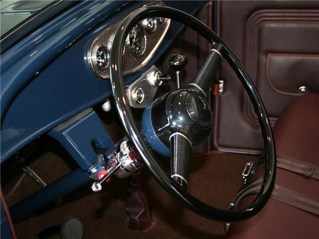 1932 Ford Highboy Roadster (1)