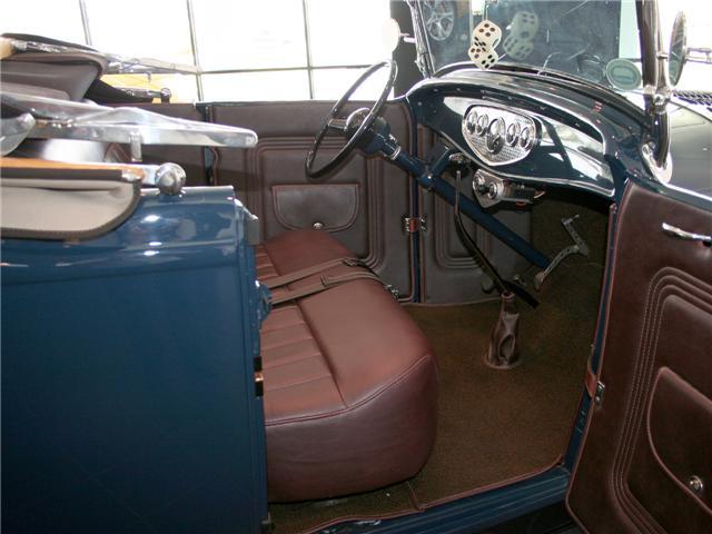 1932 Ford Highboy Roadster (47)