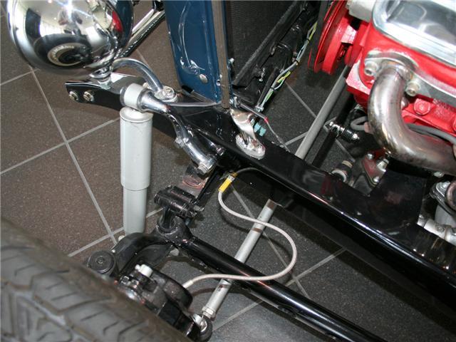 1932 Ford Highboy Roadster (43)