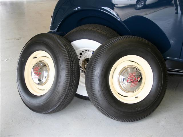 1932 Ford Highboy Roadster (40)