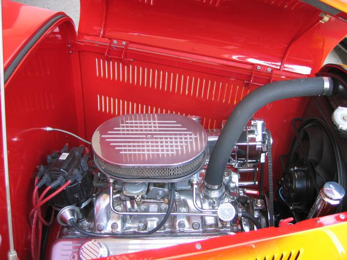 1932 Ford Highboy Roadster (18)