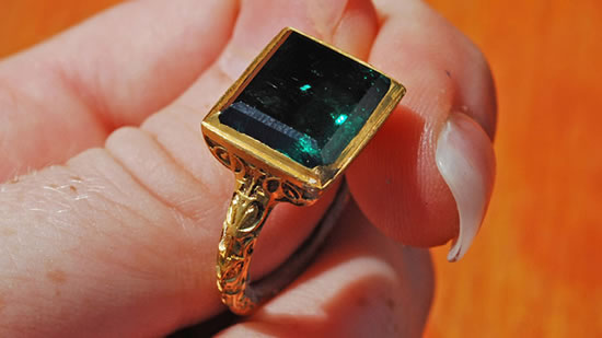 Emerald Ring Worth $550,000 Found on Shipwreck