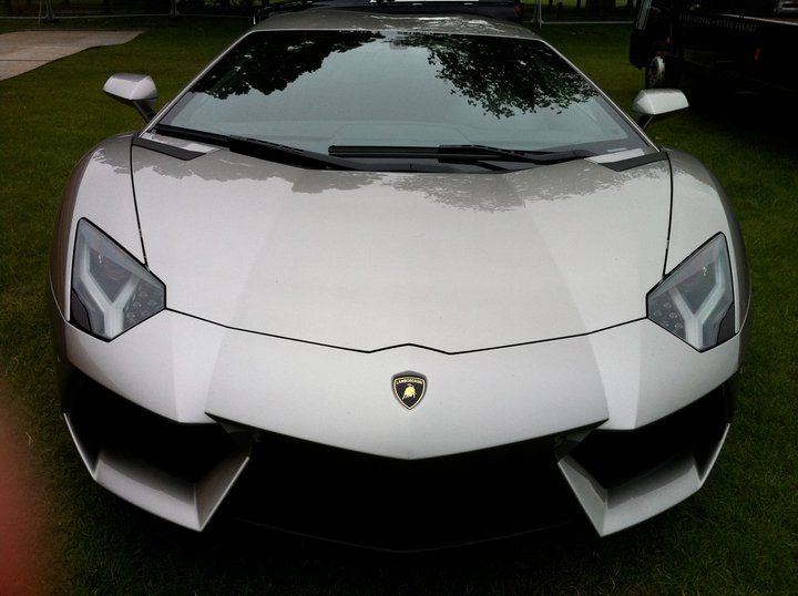 Bruce Wayne New Ride Lamborghini Aventador (3)