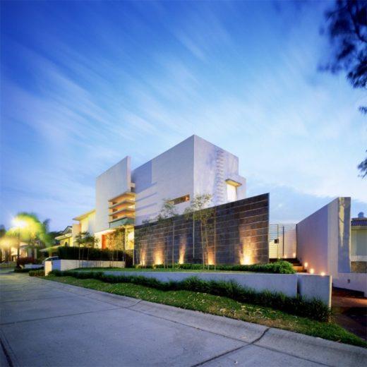 House E by Agraz Arquitectos in Mexico (15)