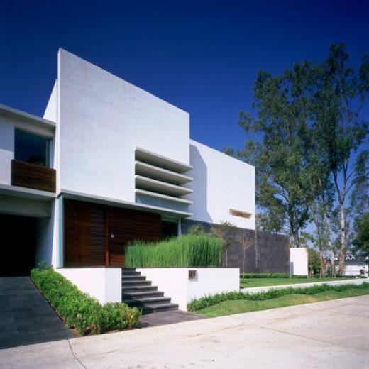 House E by Agraz Arquitectos in Mexico (12)