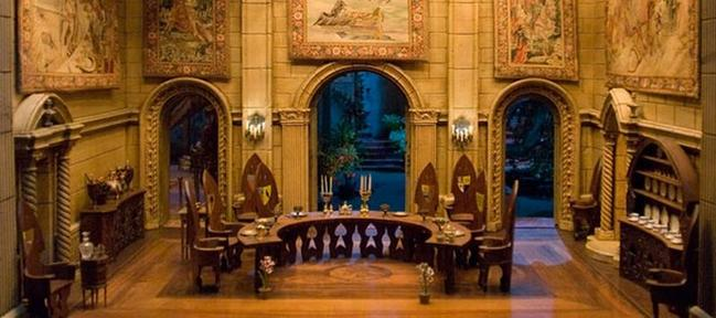 Most Expensive Dollhouse in the World (12)