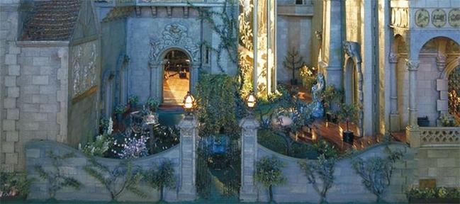 Most Expensive Dollhouse in the World (2)