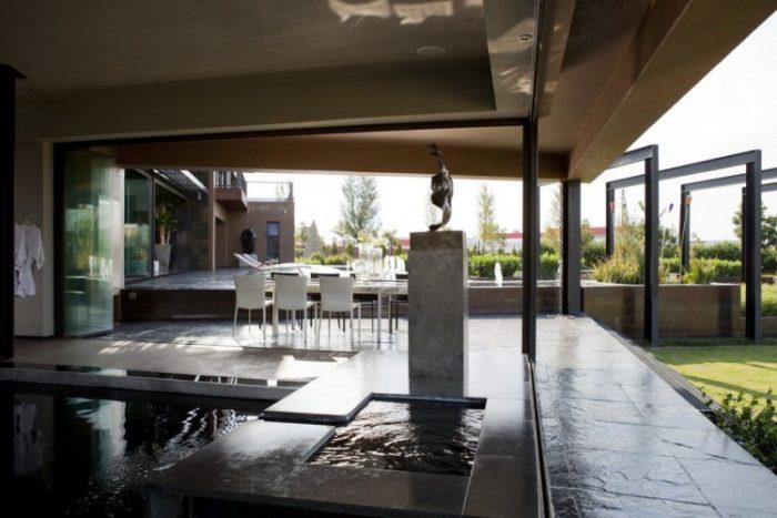 Nico Van Der Meulen Architects House in Mooikloof (5)