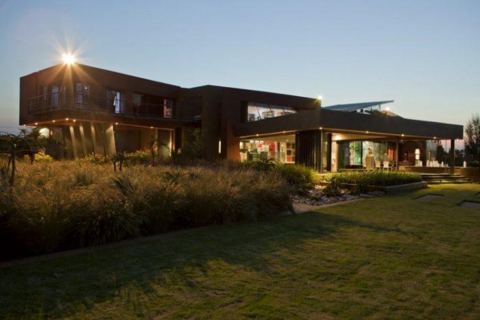Nico Van Der Meulen Architects House in Mooikloof (14)