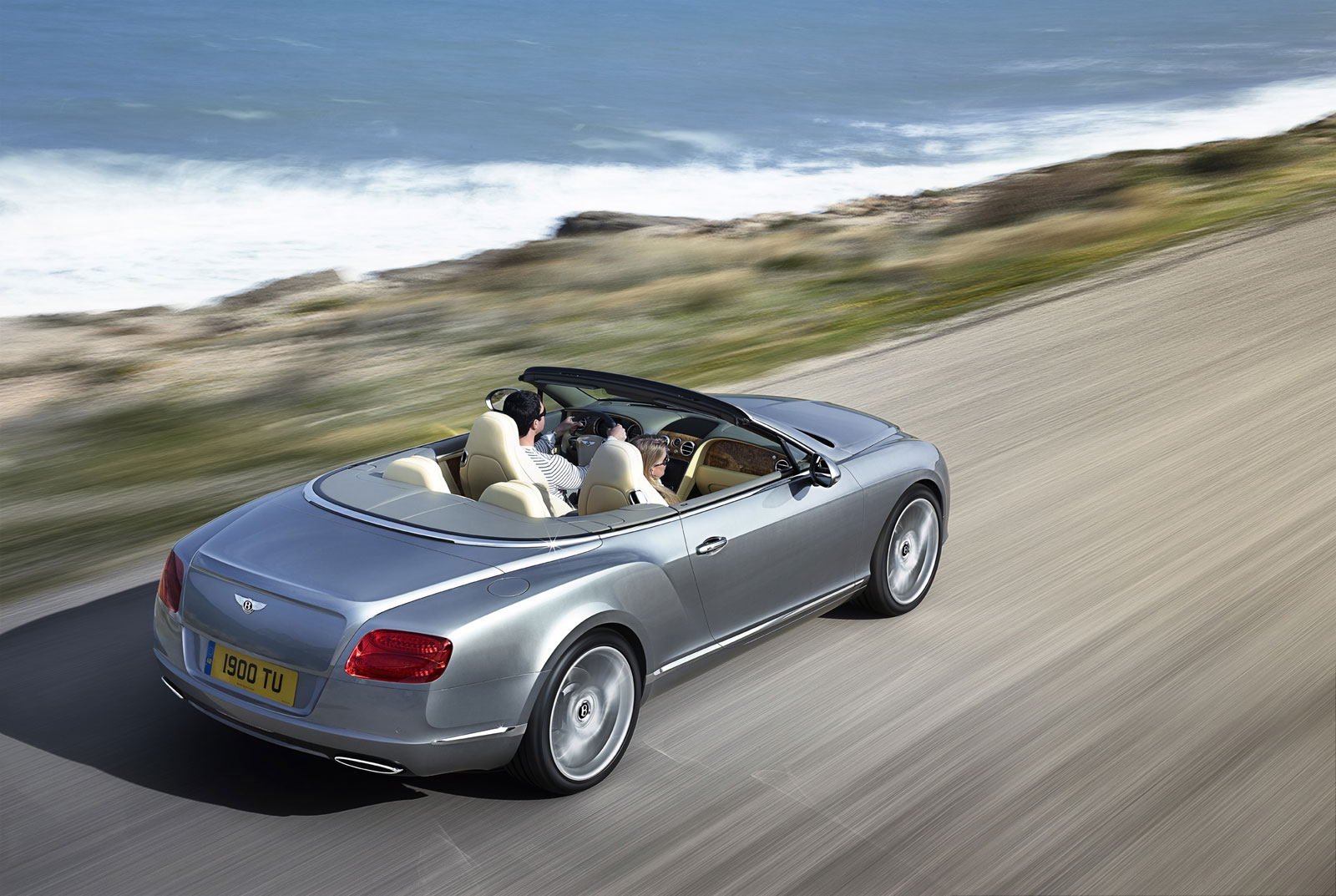 The New and Improved Bentley Continental GTC (1)