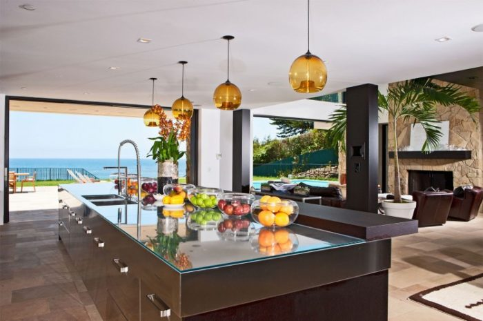 Luxury Mansion in Malibu (21)