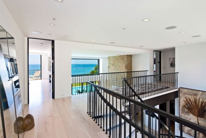 Luxury Mansion in Malibu (12)