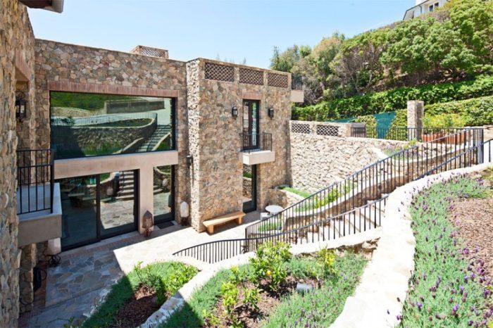 Luxury Mansion in Malibu (34)