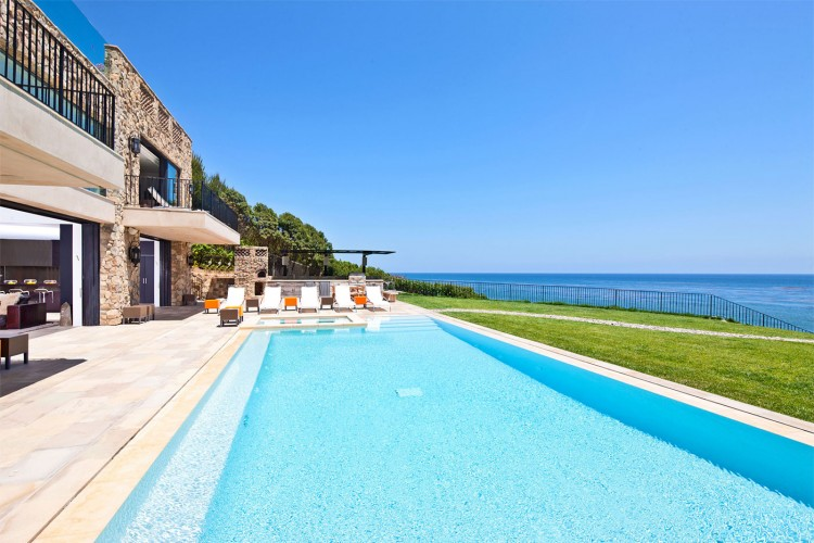 Luxury Mansion in Malibu (29)