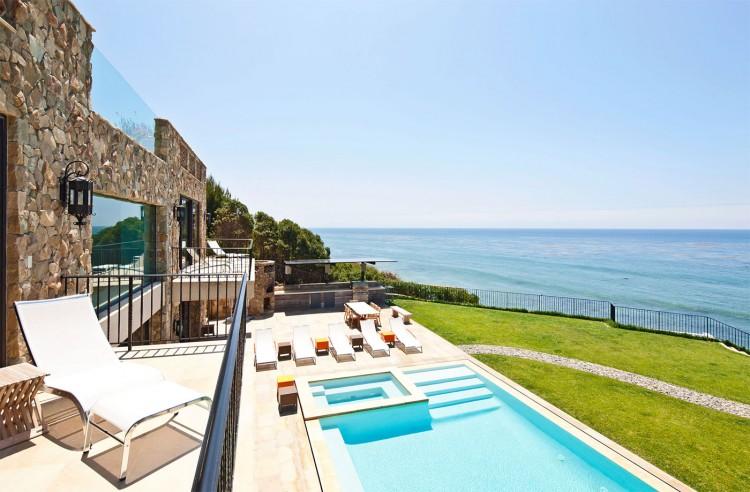 Luxury Mansion in Malibu (28)