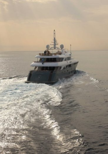 The Luxurious Victory V Superyacht by Lamda N Shipyard (7)