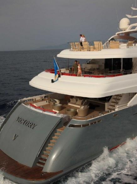 The Luxurious Victory V Superyacht by Lamda N Shipyard (6)