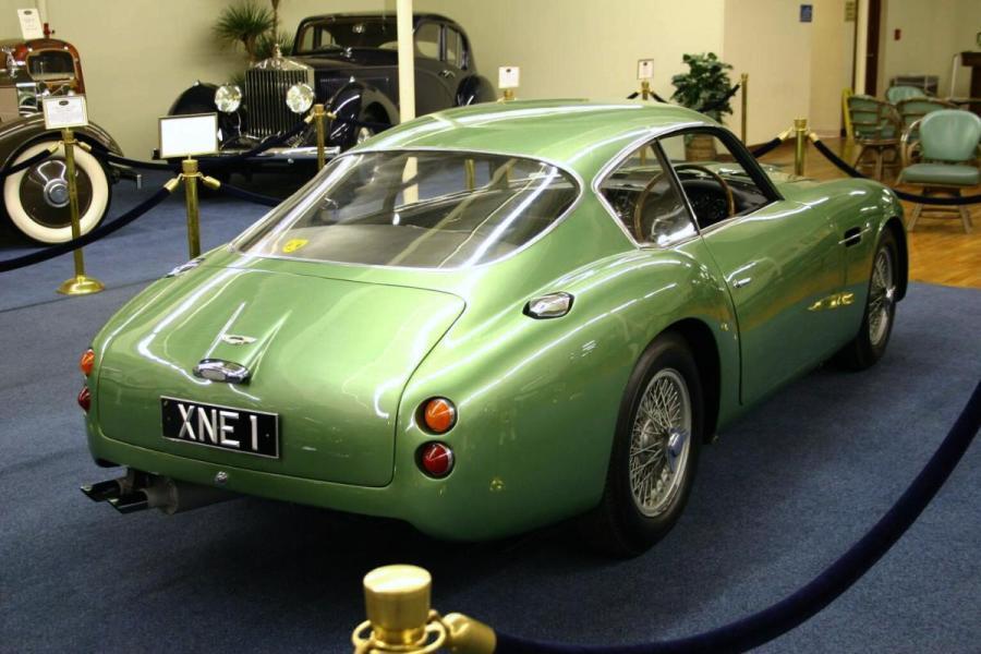Aston Martin DB4GT Zagato (6)