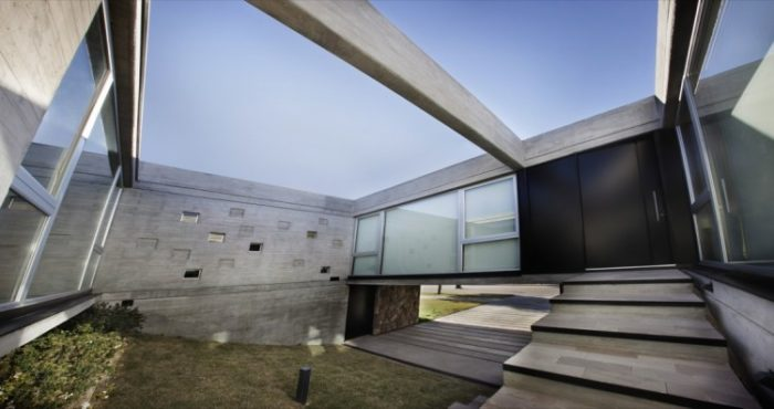 The Beautiful Sobrino House by A4estudio (13)