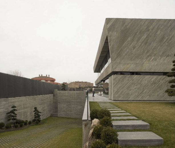 The Spectacular Open Box Residence by A-cero (25)