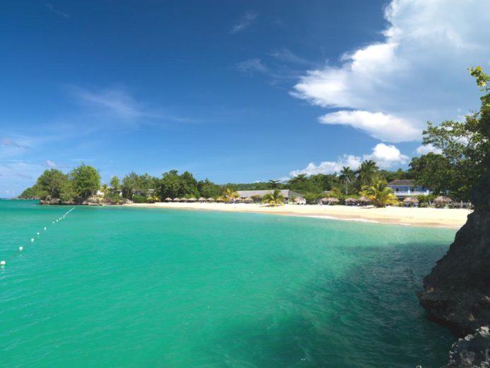 Jamaica Inn Luxury and Comfort (2)