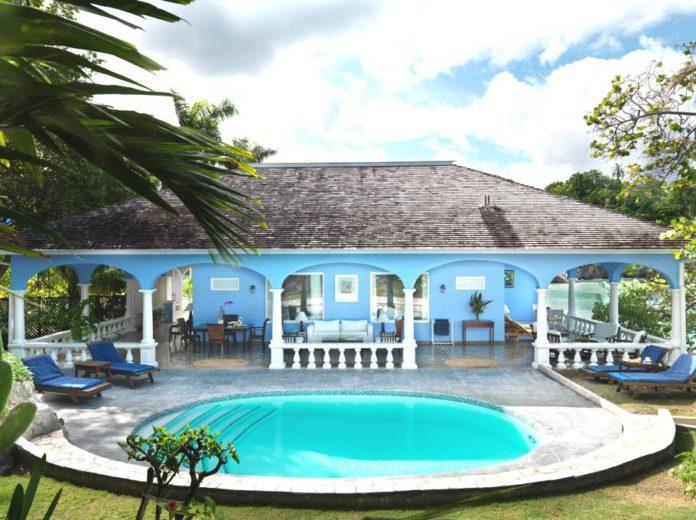 Jamaica Inn Luxury and Comfort (11)
