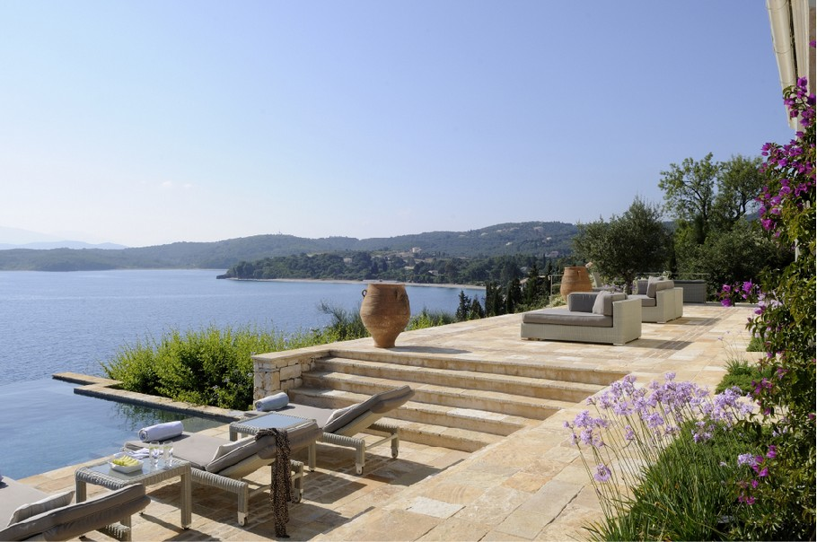 Magnificent Atolikos House in Corfu for Rent (1)