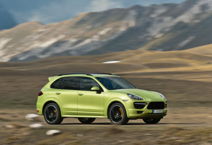 Porsche to Launch the 2013 Cayenne GTS in Beijing